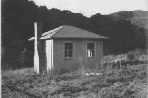 Janeys Hut Bob Legget 1970?s Reet Vallack Collection